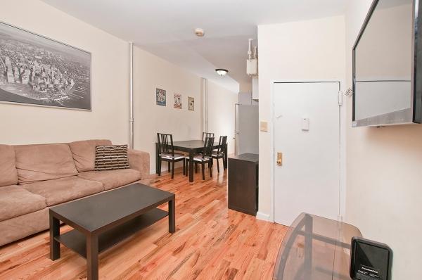 Manhattan, East Harlem, Renovated 2BR Apartment : New York City Apartment  #149NYh