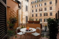 Rome Apartment #225L