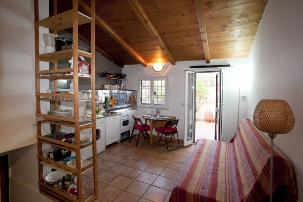 Mole west innen  Rome Vacation Rental: 1 bedroom, WIFI, Pigneto. Apartment rentals ...