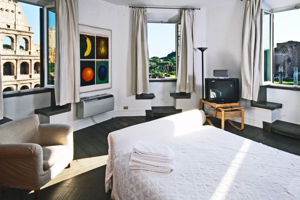 Rome Vacation Rental 4 Bedroom Internet Colosseo Apartment Rentals In Find Great Deals With Cities Reference