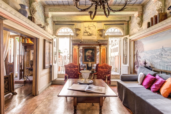 Charming Campo Dei Fiori, Campo De Fiori Baroque With Terrace: Rome Apartment #633b