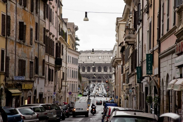Rome Vacation Rental: 1 bedroom, Colosseo. Apartment ...