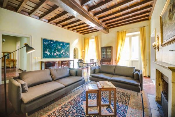 Spagna, Via Di Ripetta: Rome Apartment #659