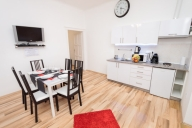 Budapest Vacation Apartment Rentals, #121Budapest: 3 bedroom, 1 bath, sleeps 6