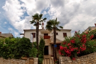 Medulin Vacation Apartment Rentals, #100eMedulin: 1 bedroom, 1 bath, sleeps 4
