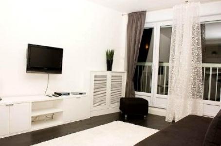 Paris Vacation Rental Studio Internet 11 ème Republique