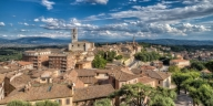 Perugia Vacation Apartment Rentals, #100Perugia: 2 quarto, 2 Chuveiro, pessoas 5