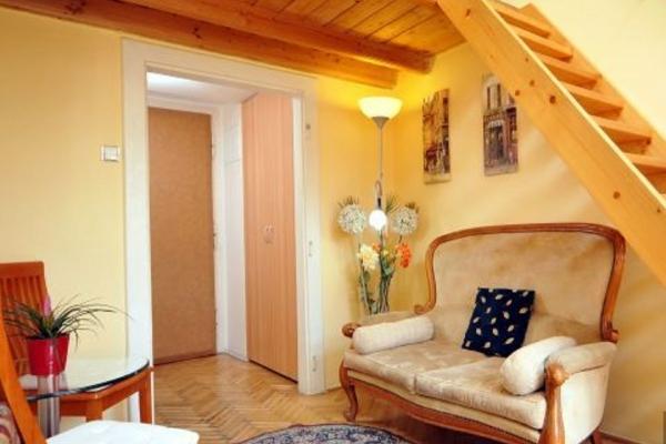 Prague Vacation Rental: studio, WIFI, Old Town. Apartment ...