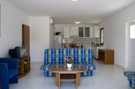 Pucisca Vacation Apartment Rentals, #100bPucisca: 3 camera, 2 bagno, Posti letto 8