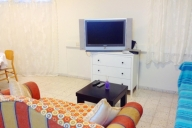 Ramat Gan Vacation Apartment Rentals, #100bRamatGan: 1 quarto, 1 Chuveiro, pessoas 4