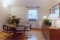 Rome Vacation Apartment Rentals, #101b: 2 bedroom, 2 bath, sleeps 3