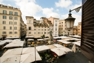 Rome Vacation Apartment Rentals, #1050bRome: 1 bedroom, 1 bath, sleeps 4