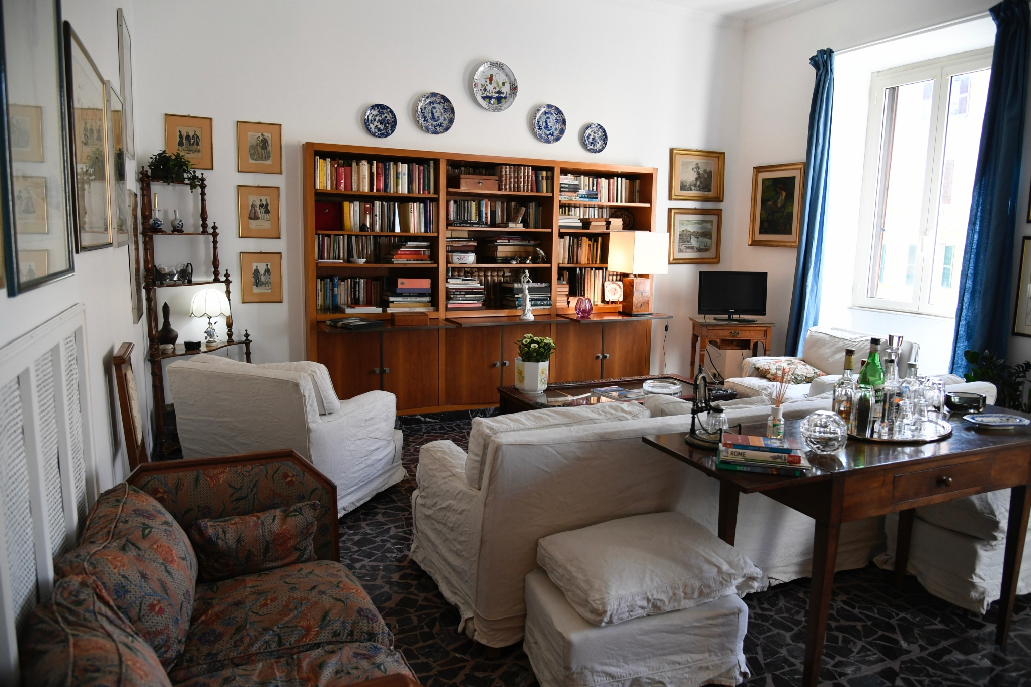 Rome Vacation Rental: 2 bedroom, WIFI, Prati. Apartment ...