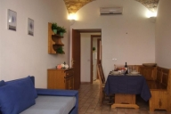 Rome Vacation Apartment Rentals, #454: 1 bedroom, 1 bath, sleeps 4