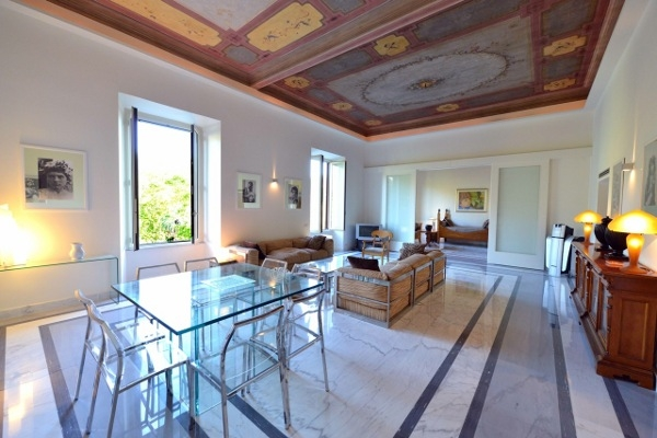 Rome Vacation Rental 3 Bedroom Wifi Colosseo Apartment Rentals In Find Great Deals With Cities Reference