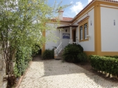Torres Vedras Vacation Apartment Rentals, #101TorresV: 4 bedroom, 2 bath, sleeps 10