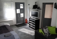 Zagreb Vacation Apartment Rentals, #108Zagreb: Chambre studio, 1 SdB, couchages 4